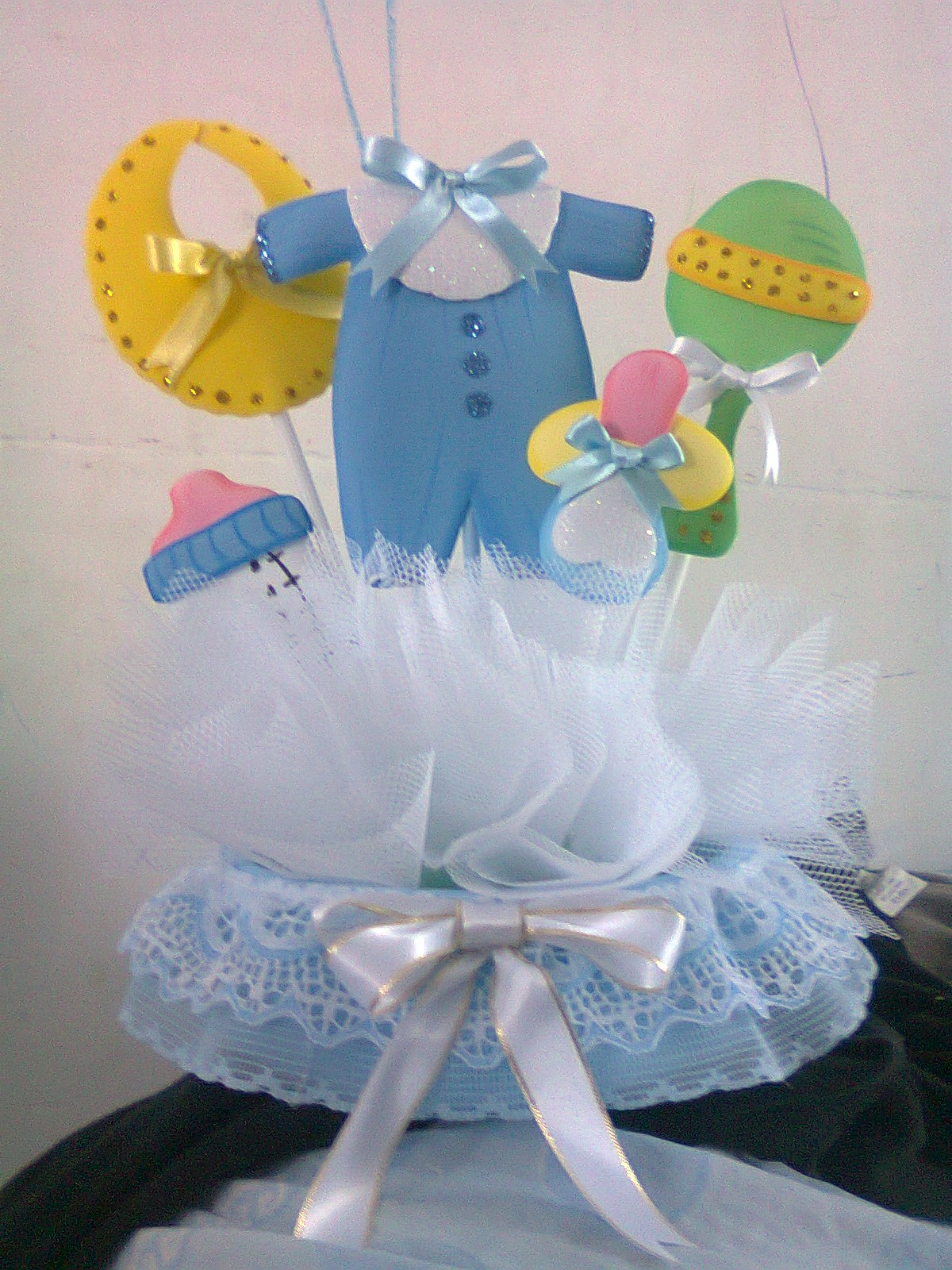 Centros de mesa para baby shower modernos originales y for Mesa baby shower nino