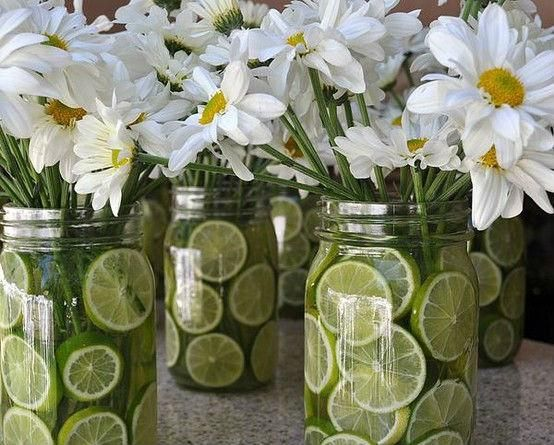 Centros de mesa con materiales reciclados botellas vidrio madera - Mesas de centro de vidrio ...