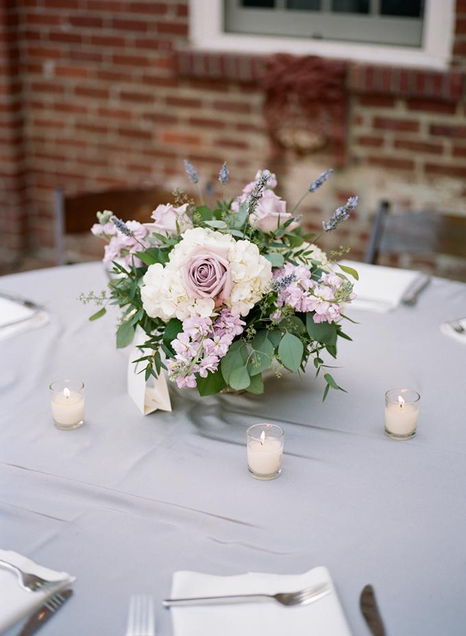 Centros de mesa con plantas naturales caja de madera con for Centros de mesa con plantas naturales