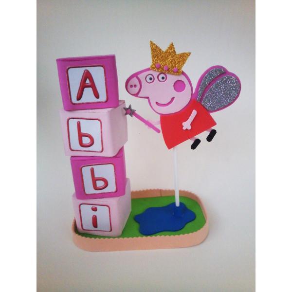 497c6a2744c ... para cumpleaños infantiles Centro de mesa alto con peppa pig jugando