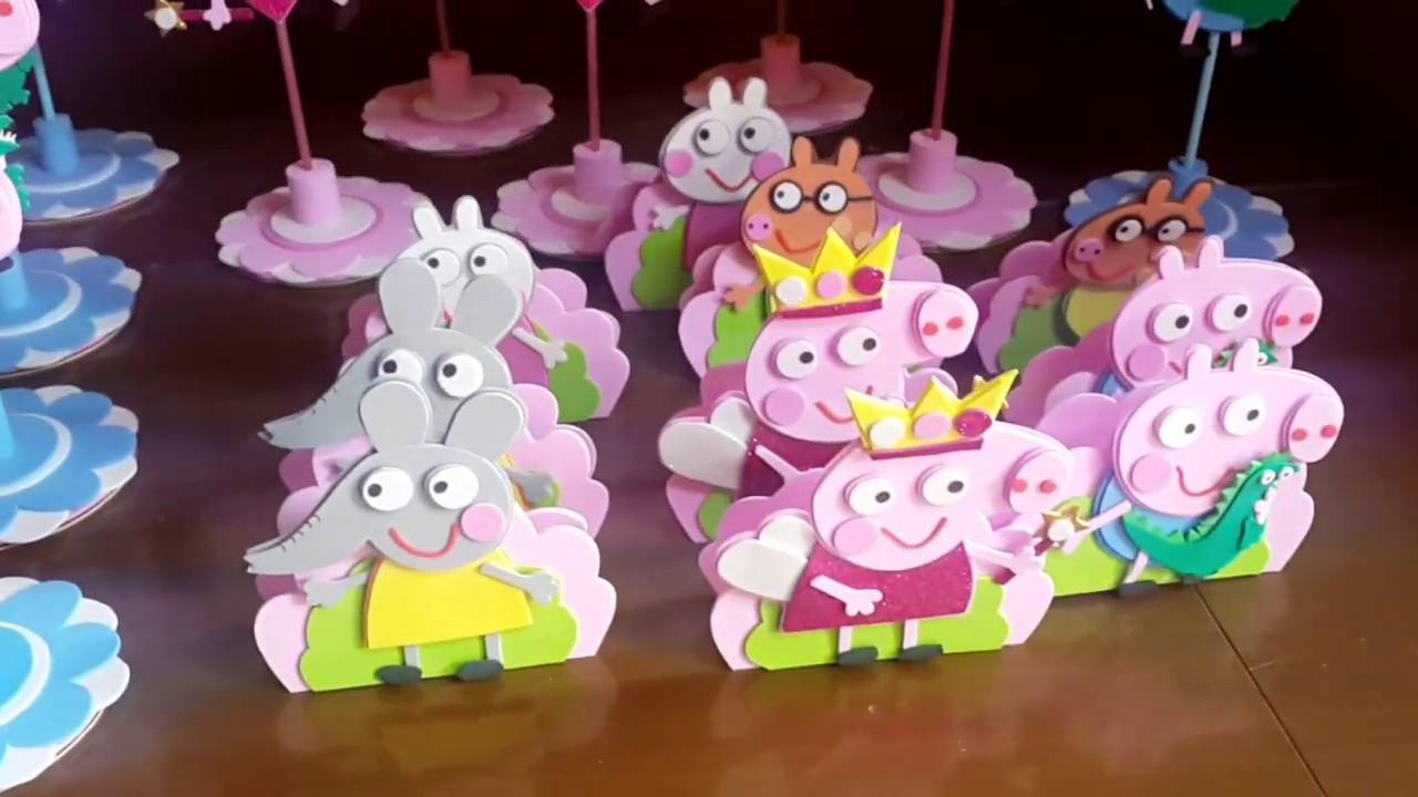 ef7983b9026 Los personajes de peppa pig en goma eva como centro de mesa Ideas para ...