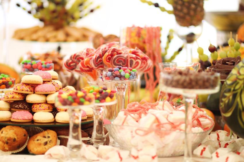 Centros de mesa con dulces para fiestas infantiles for Dulce boda