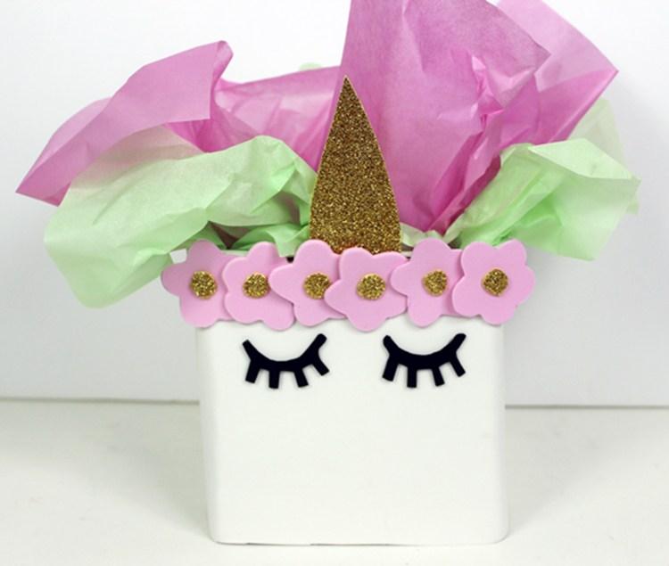 68b2afecc Centros de mesa de Unicornio para cumpleaños de niñas y niños