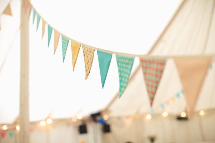 hacer banderines de papel Guirnaldas Originales Para Decorar Fiestas