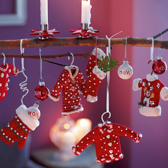Adornos colgantes para fiestas for Decoracion de adornos navidenos