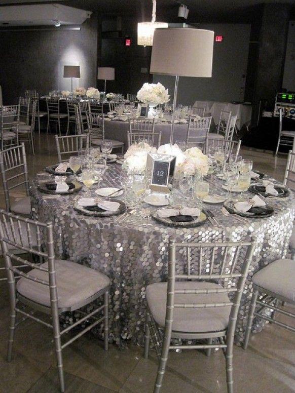 decoración y arreglos plateados para la boda de plata (25 años de