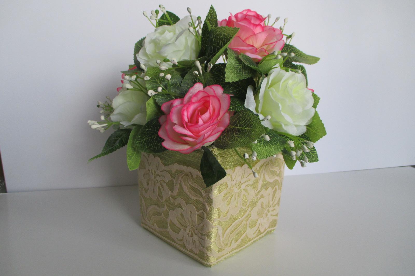 feadc3f326e6a Arreglos y centros de mesa con flores artificiales ( Más de 90)