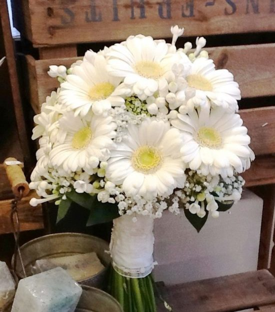 Centros De Mesa Y Arreglos Florales Con Gerberas